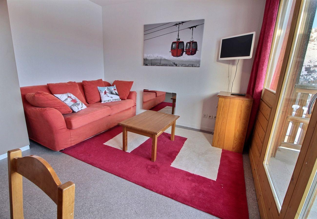 Apartment in Le Dévoluy - SUPERDEVOLUY - LES CHAUMETTES - APPARTEMENT 10 PERSONNES