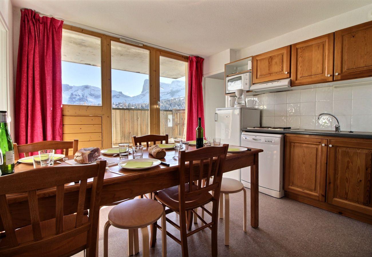 Apartment in Le Dévoluy - SUPERDEVOLUY - LES CHAUMETTES - 6-8 PERSONNES