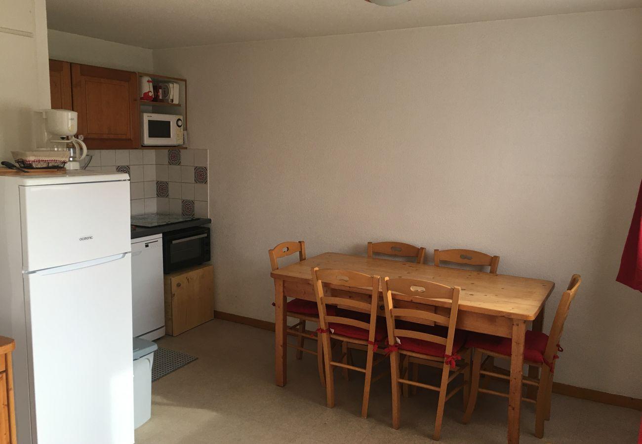 Apartment in Le Dévoluy -  SUPERDEVOLUY - LES CHALETS DE SUPER D - APPARTEMENT 4 PIECES 6/8 PERSONNES