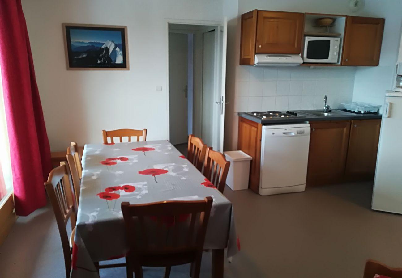 Apartment in Le Dévoluy -  SUPERDEVOLUY - RESIDENCE LES CHAUMETTES - 3 PIECES 6 PERSONNES