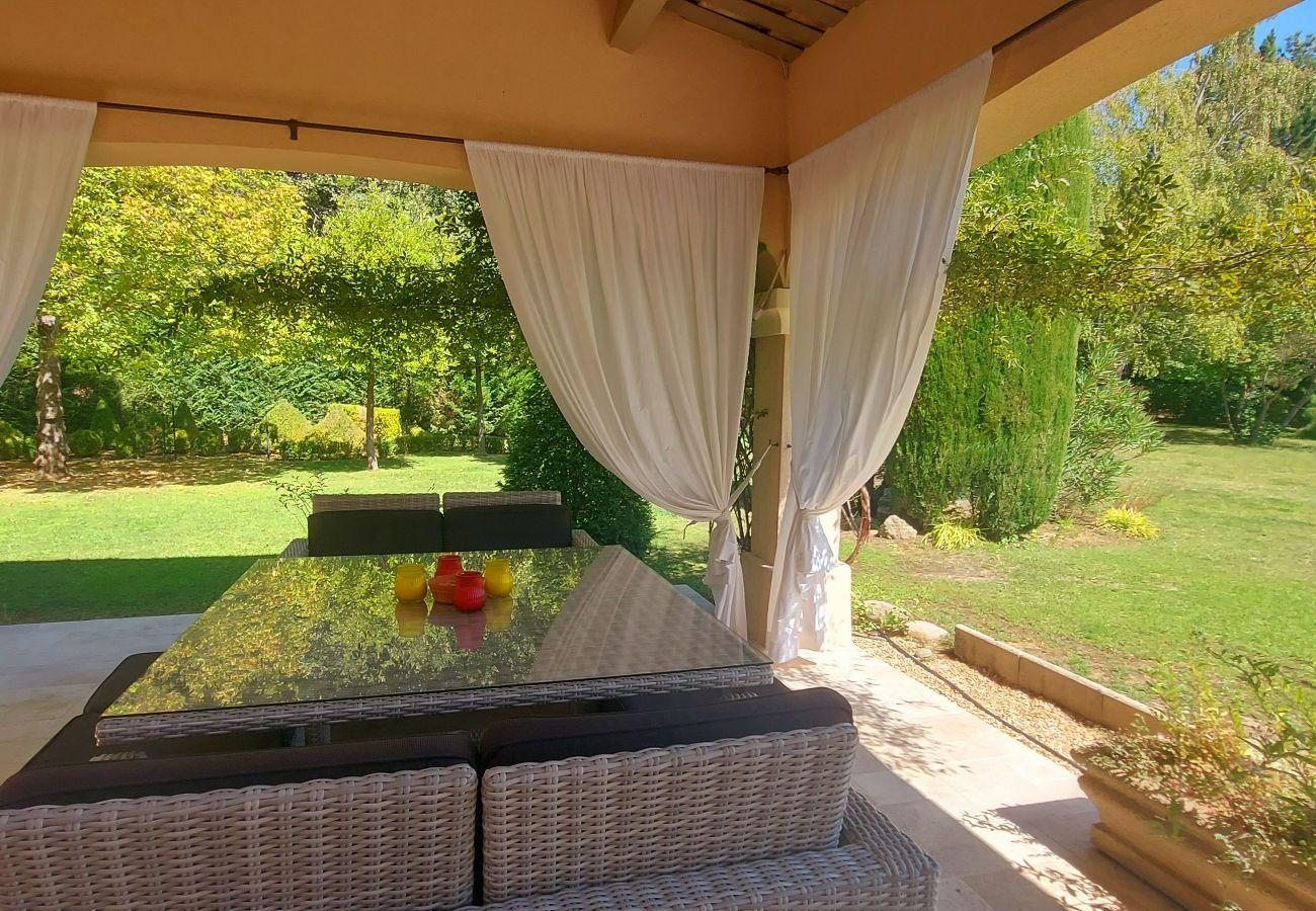 Villa in Rognes - ROGNES PROCHE AIX EN PROVENCE - VILLA H - 12/14 personnes