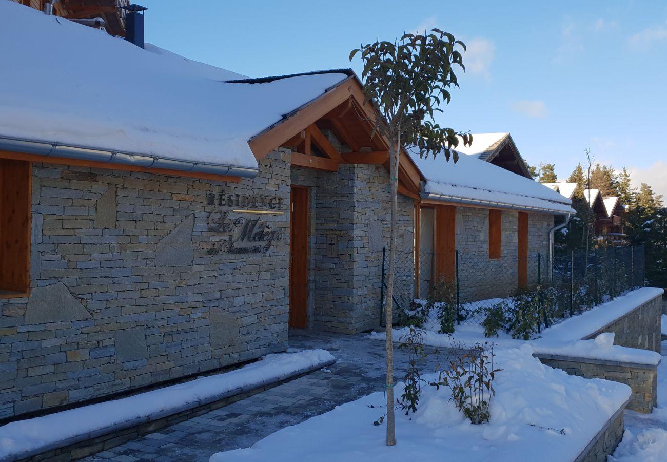 Studio in Le Dévoluy - LA JOUE DU LOUP - RESIDENCE LES MELEZES DES CHAUMATES - STUDIO 2/4 PERS AVEC VUE
