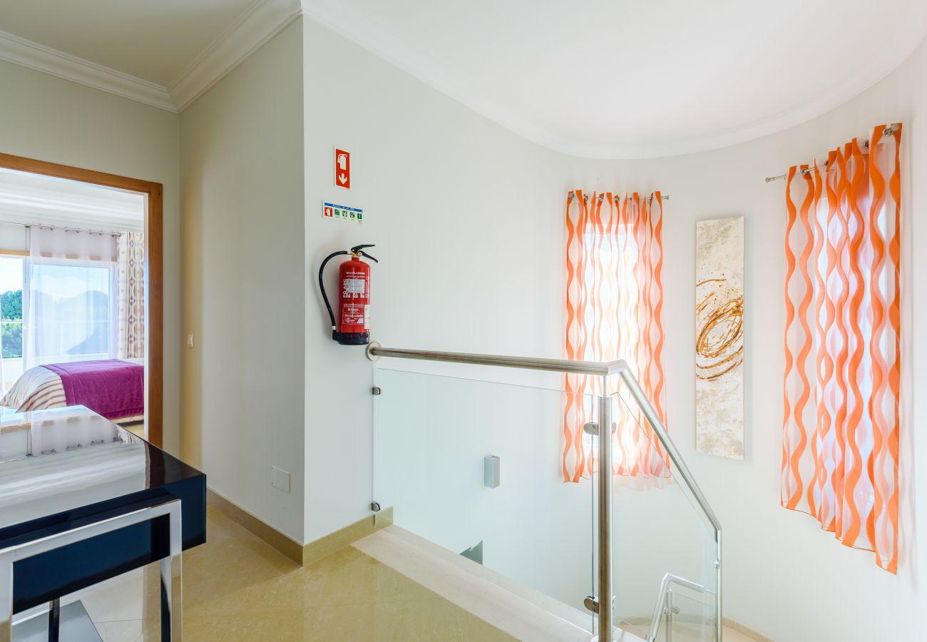 Villa in Lagos - Boavista 105
