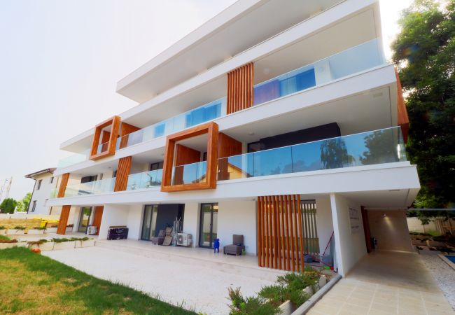 in Voluntari -  Apartment LaGloire - One bedroom with private parking
