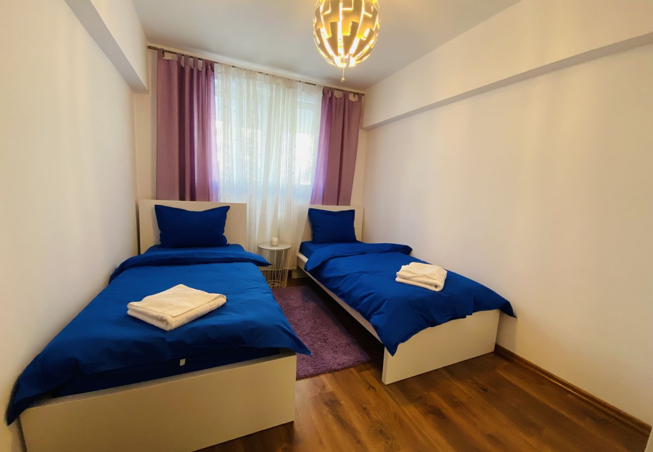 Apartment in Bucharest - Apartment Giulia - Two Bedrooms in Pantelimon