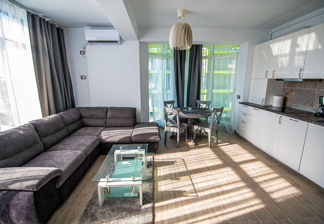Apartment in Mamaia Nord -  Apartment Katrina near the Beach with Pool Acces - Alezzi Beach