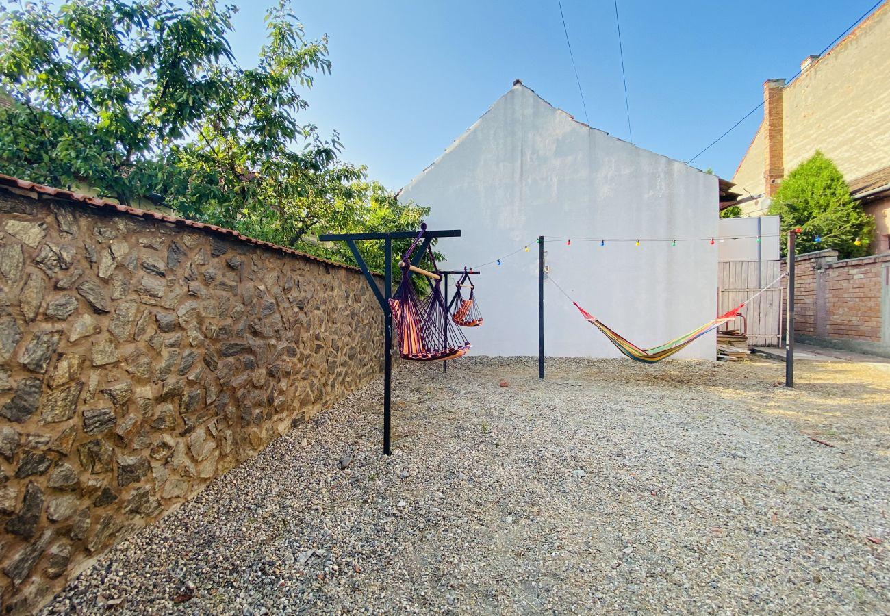 Apartment in Blaj - Central Apartment with Garden in Blaj