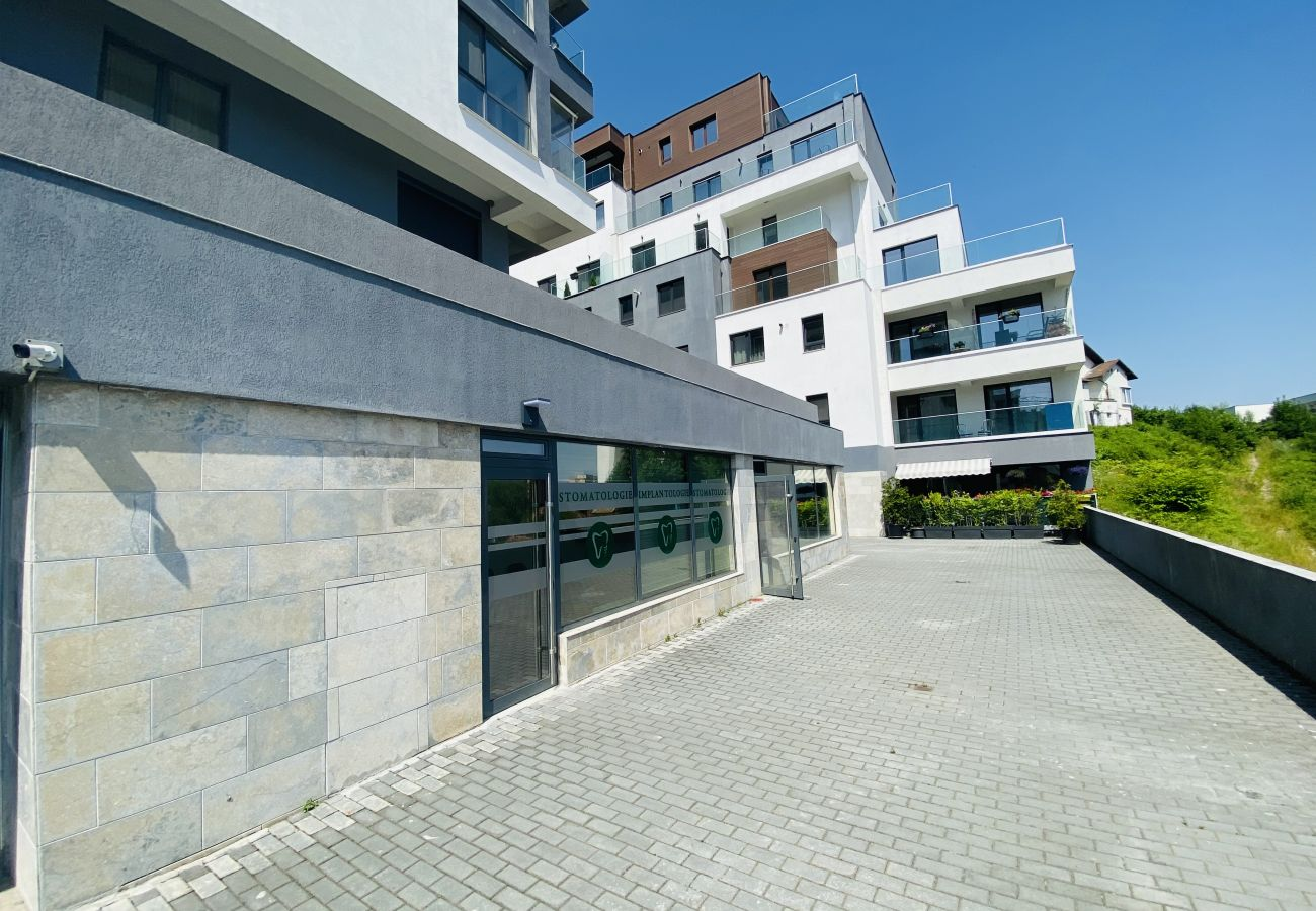 Apartment in Brasov - Deluxe Apartment in new bulding with private parking