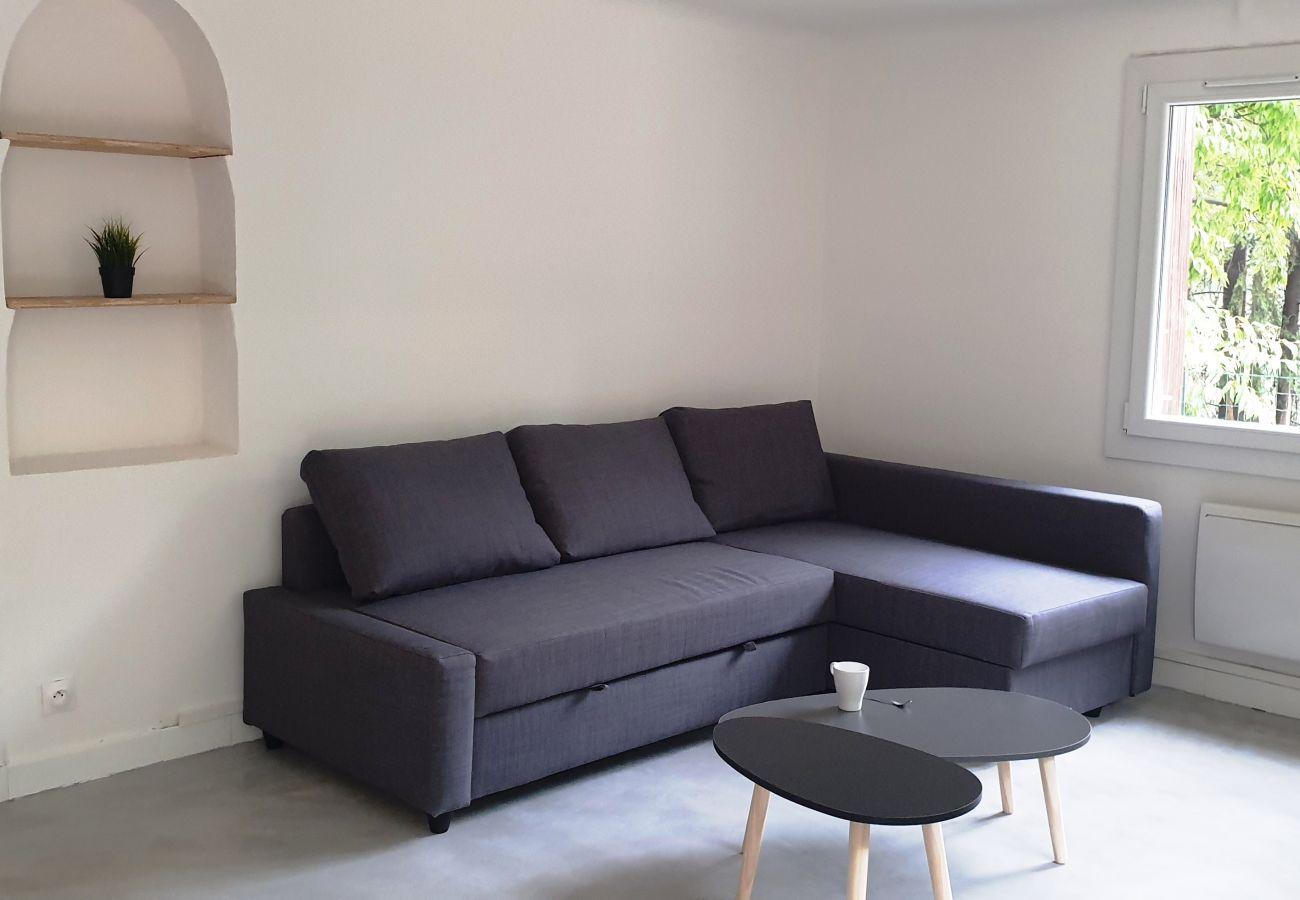 Apartment in Ventabren - APPARTEMENT-VILLA 2 CHAMBRES NATURE CLOSE TO AIX EN PROVENCE